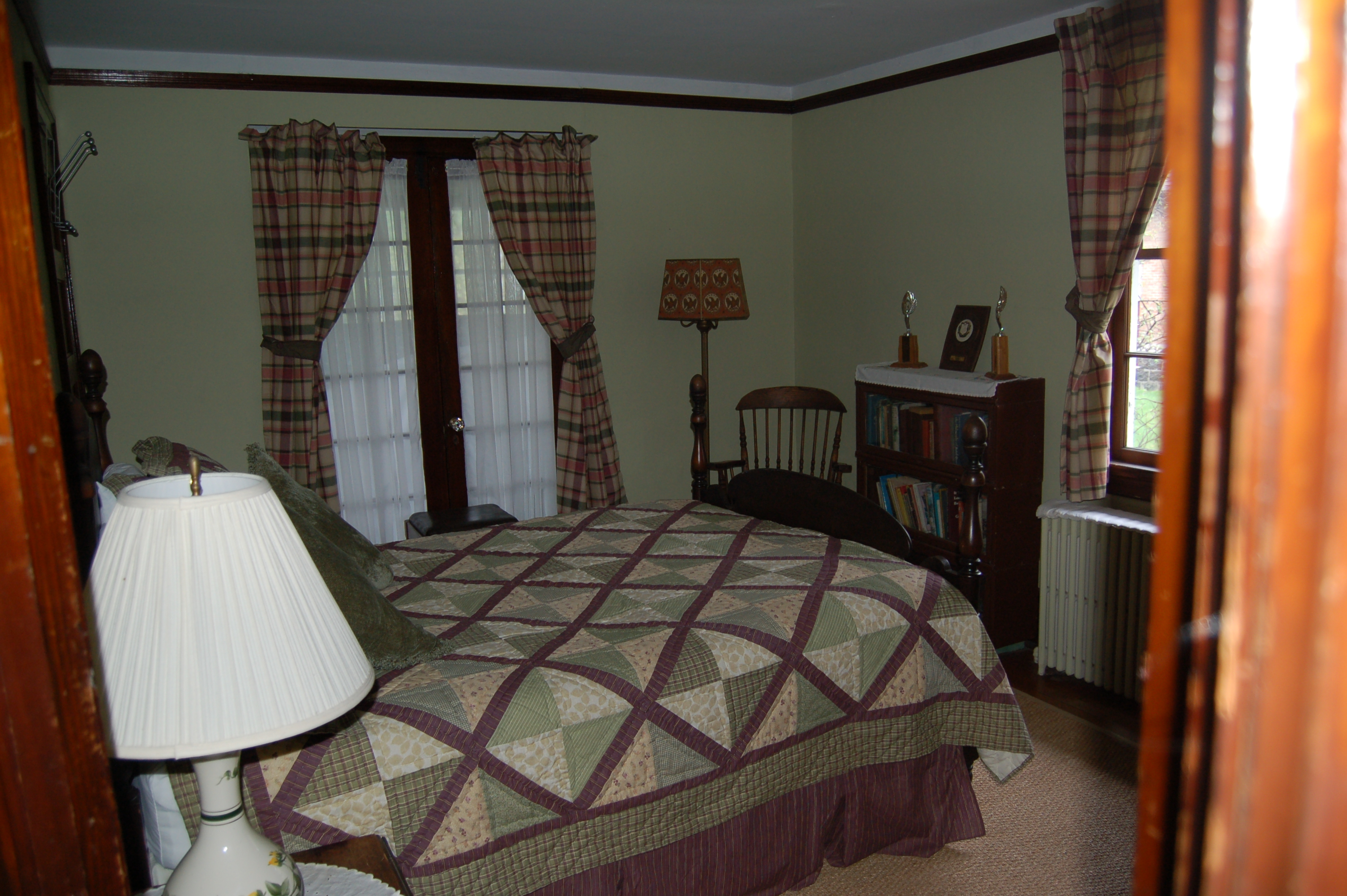 Huttlinger House - Plaid Room